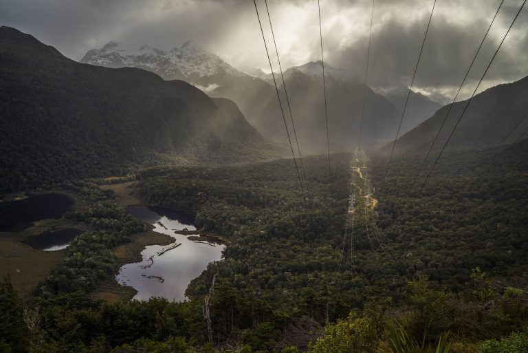 Fiordland-National-Park-Borland-Road-lake