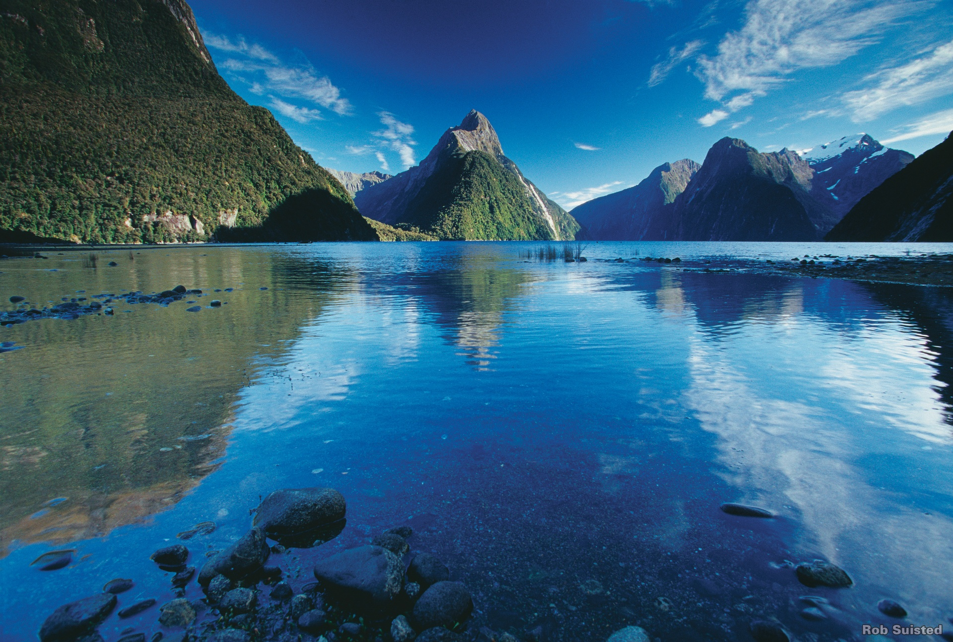 Milford-sound-scenic-flight