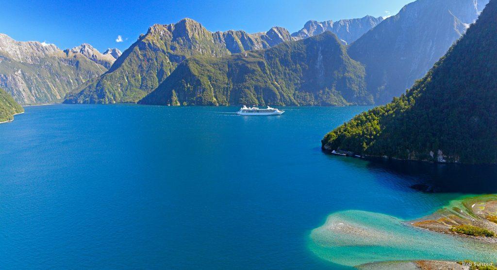 Scenic-flight-fiordland