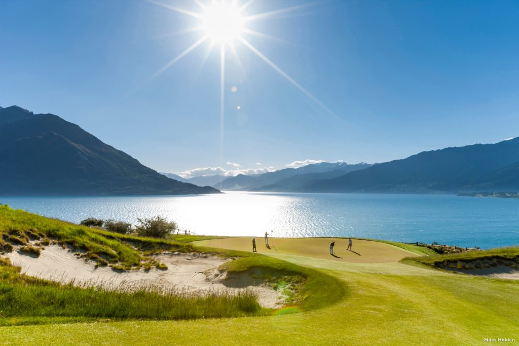 Scenic golf course, Queenstown
